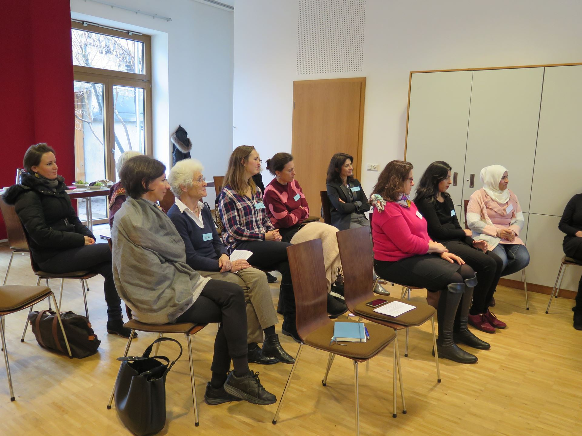 Members and attendees at the Heidelberg IWC Monthly Meeting